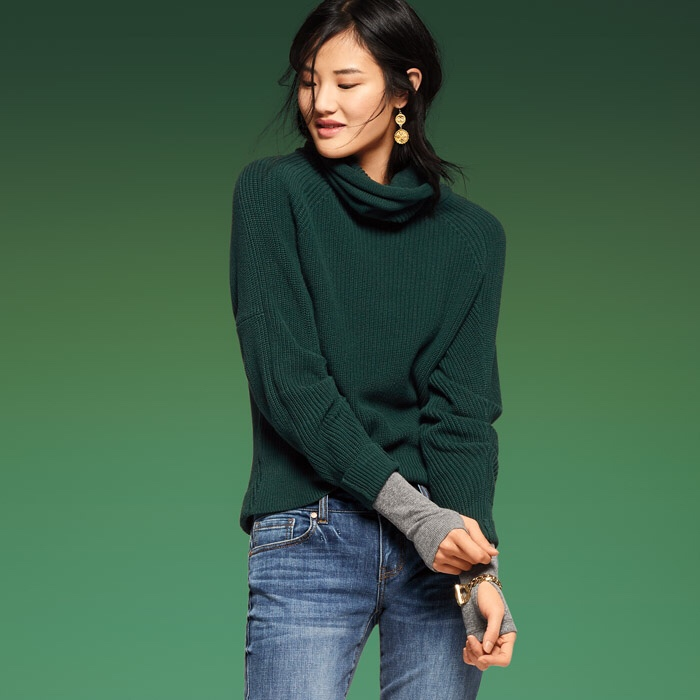 Cabi Cowl pullover in dark green