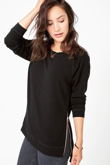 Zip Pullover in Black